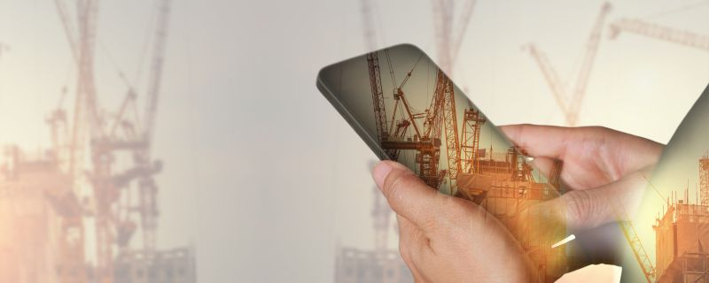 The Dangers of Job Site Cellphone Use